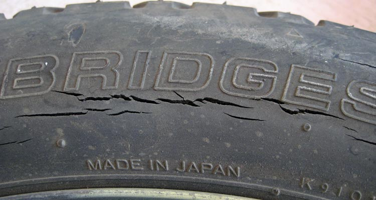 the dangers of cracked tires used tires houston. Black Bedroom Furniture Sets. Home Design Ideas